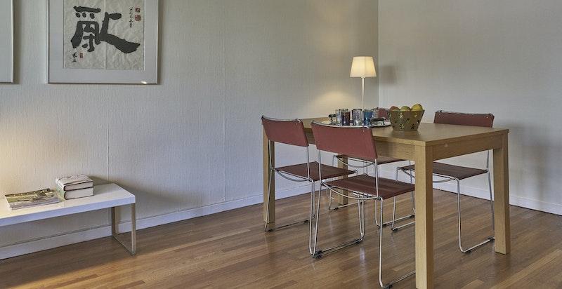 Fra stuen - fin plass for spisebord