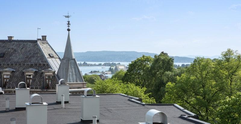 Flott 360 utsikt fra takterrassen
