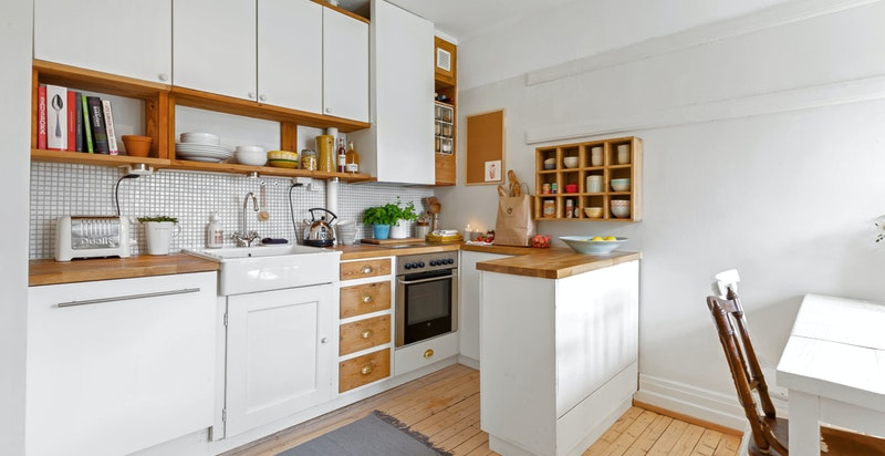 Sjarmerende kjøkken med delvis original innredning