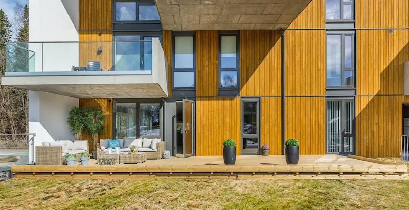 Moderne fasade og flott arkitektur.