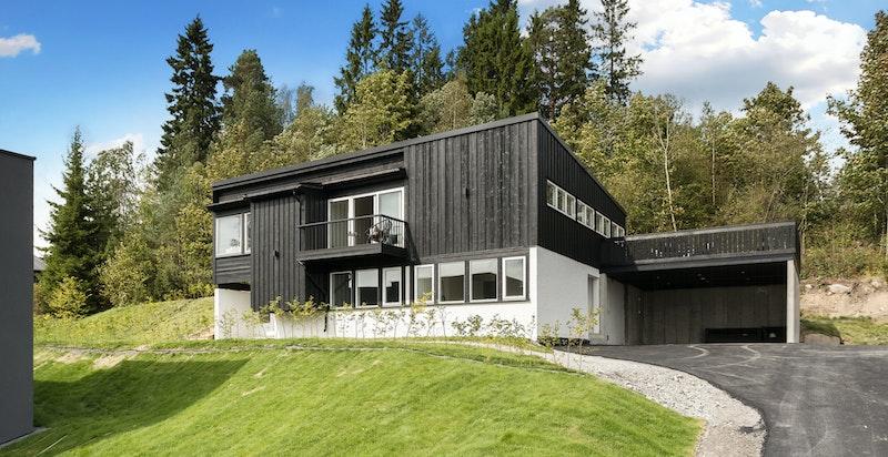 Velkommen til Billingstadåsen 33 A - Et moderne og stort bolighus.