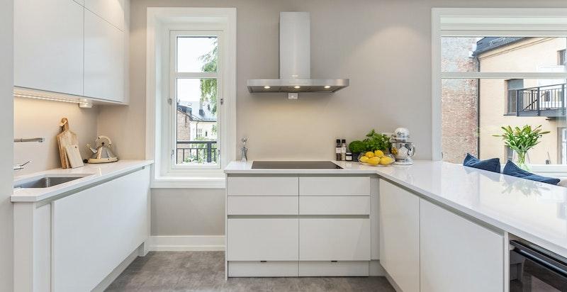 Elegant kjøkken med innredning fra HTH.