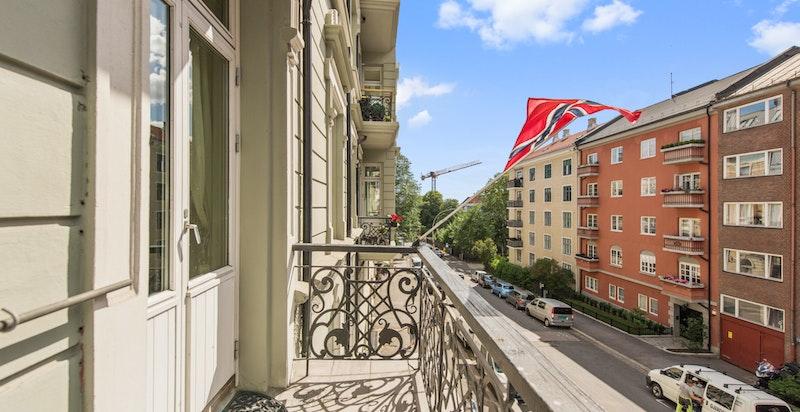 Balkongen med utsikt nedover Gabelsgate.
