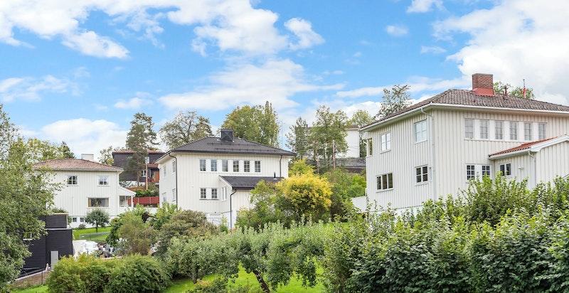 Fasade sett fra vest(huset i midten).