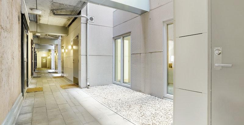 Svalgang og adkomst til leiligheten i 4. etasje