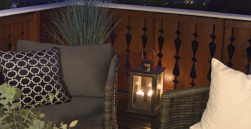 Utsikt fra terrassen på kveldstid