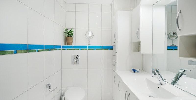 Varmekabler i gulv på dusjbad/wc