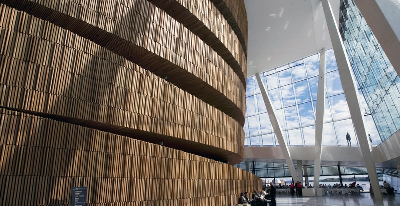 Operaen - En av mange flotte bygg i nabolaget!
