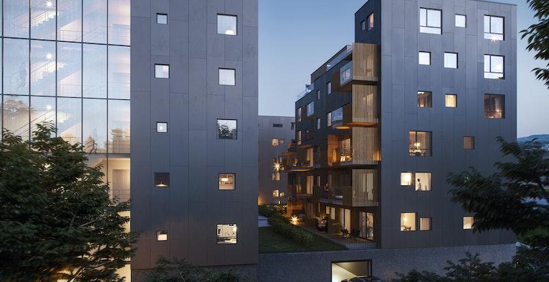 Det er heis i bygningene til hvert leilighetsplan samt videre ned til felles underjordisk garasje- og bodanlegg