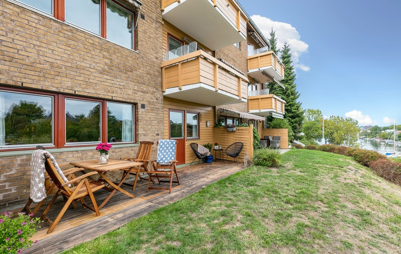 Velkommen til Langviksveien - En flott 2 roms med stor terrasse og sjøutsikt