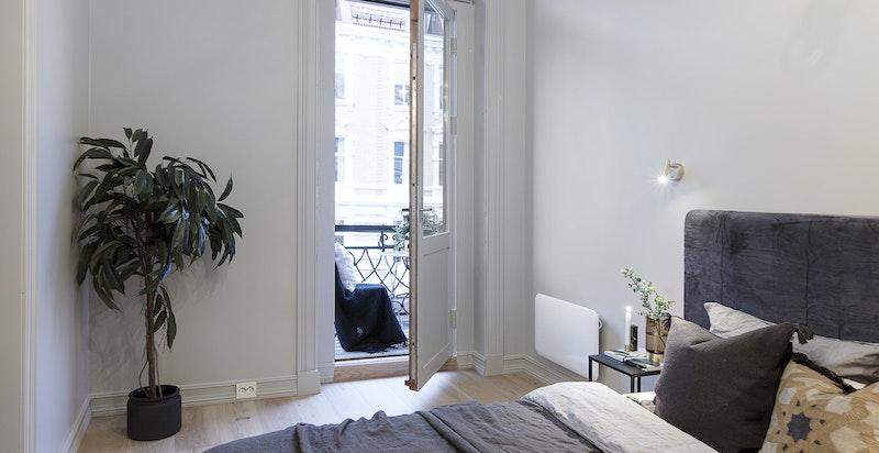 Soverommet ligger godt trukket inn i Niels Juels gate og oppleves som stille og rolig.