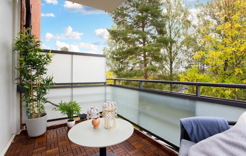 Sydvendt balkong med gode solforhold