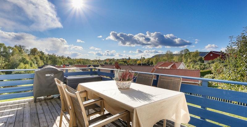 Vestvedt terrasse med fin utsikt og gode solforhold