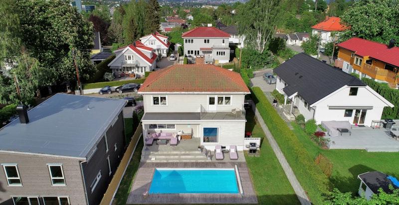 Høydefoto av eiendommen