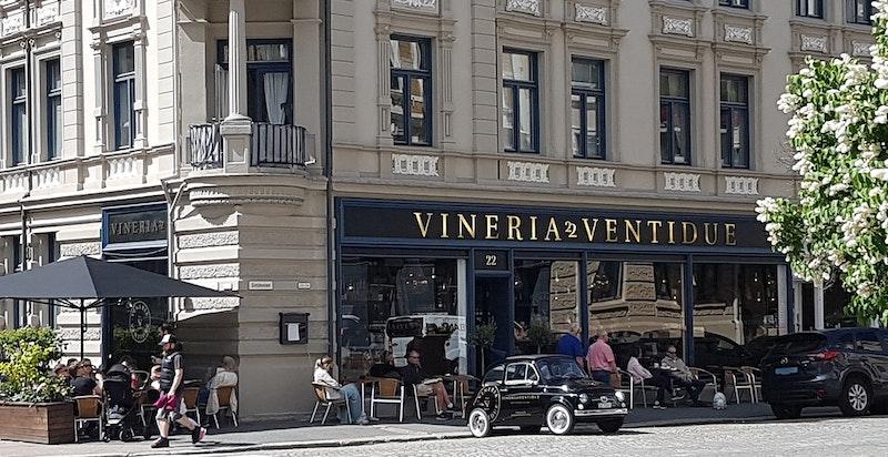 Fra Vineria Ventidue, ett av nærmiljøets populære serveringssteder