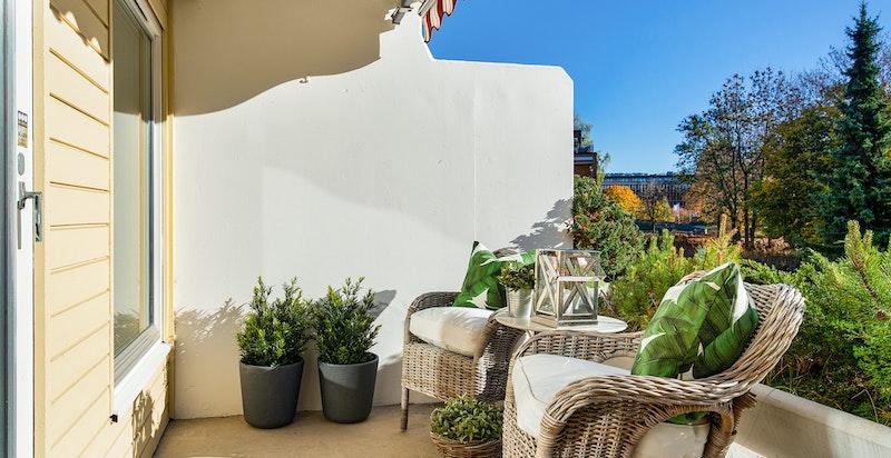 Stor og solrik terrasse