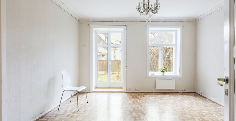 Stue med utgang til hage