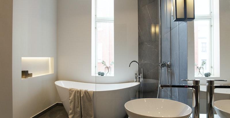 Tidsriktig, lekkert og moderne baderom nr. 2
