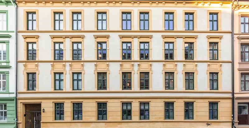 Klassisk fasade som ble rehabilitert i 2013