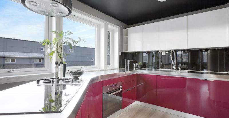 Lekkert kjøkken fra 2012 med innredning fra Masec
