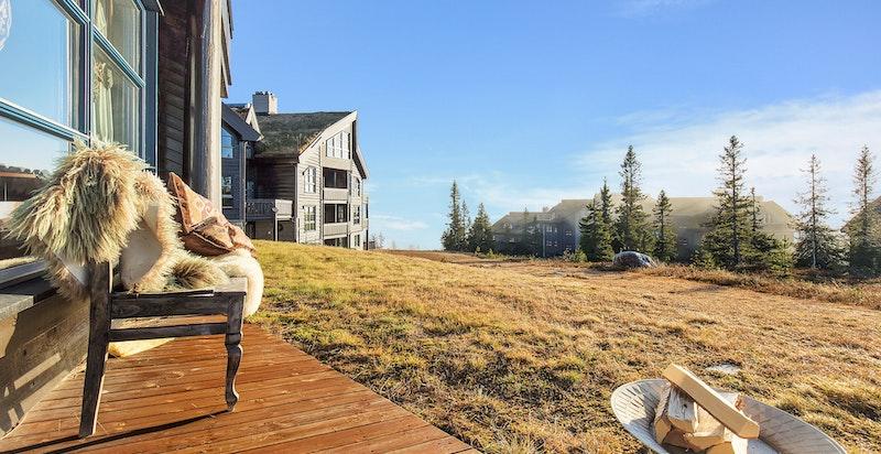 Leilighet over 2 plan med solrik terrasse