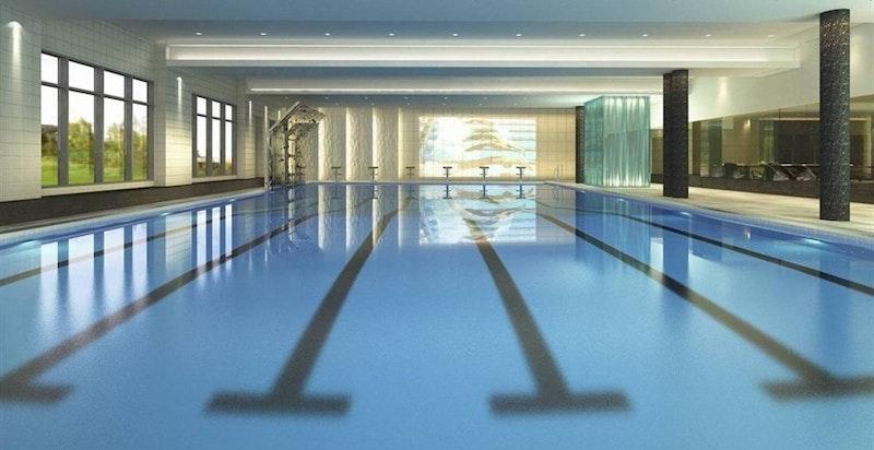 Røa Bad med treningssenter og svømmehall i gangavstand