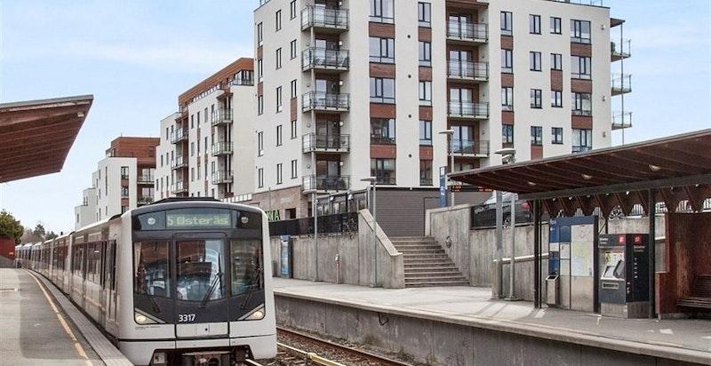 Nærhet til både lokalbuss og Røa T-banestasjon