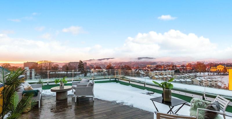 Nydelig utsikt fra Grefsenkollen til langt ut i Bærum
