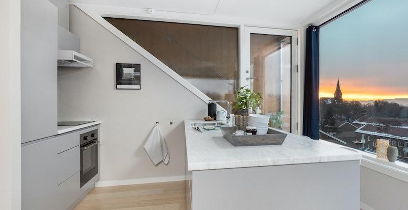 Delvis åpen kjøkkenløsning med moderne innredning fra Boform