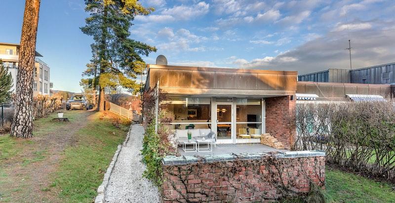 Flott selveierleilighet med terrasse og hage