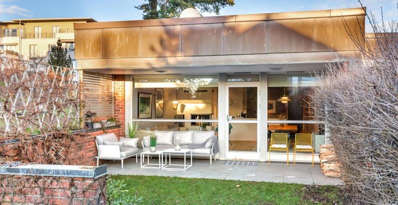 Overbygget terrasseplatting