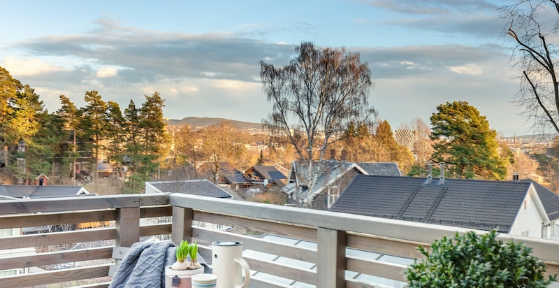 Terrasse ved inngangspartiet