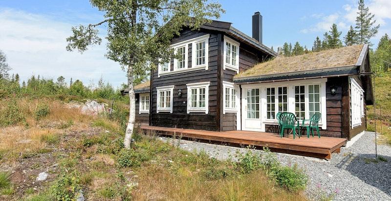 En flott og attraktiv hytte ca. 15 minutter fra skisenteret på Norefjell.