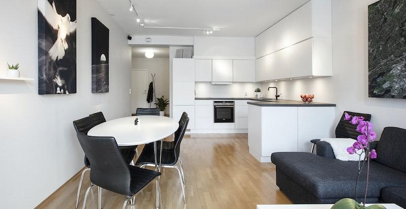 Kjøkkenet er innstallert i 2015 og av dansk design.