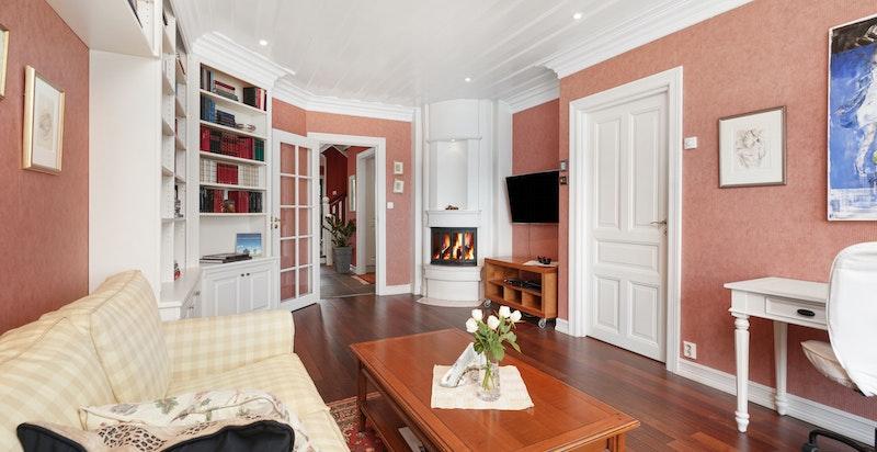 Masteravdeling med stue, soverom, garderobe, bad og bod