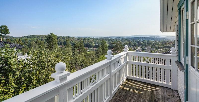 Utsikt fra veranda utenfor hovedsoverom