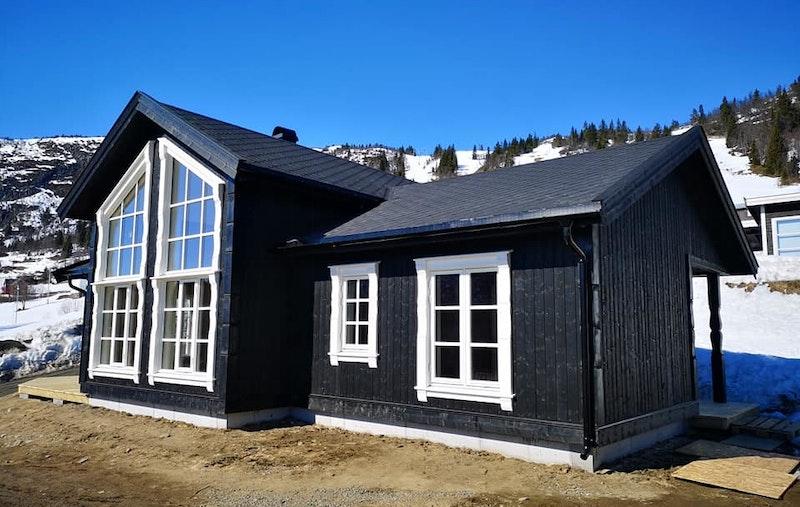 Nyoppført og innflyttingsklar hytte - rett ved skibakken
