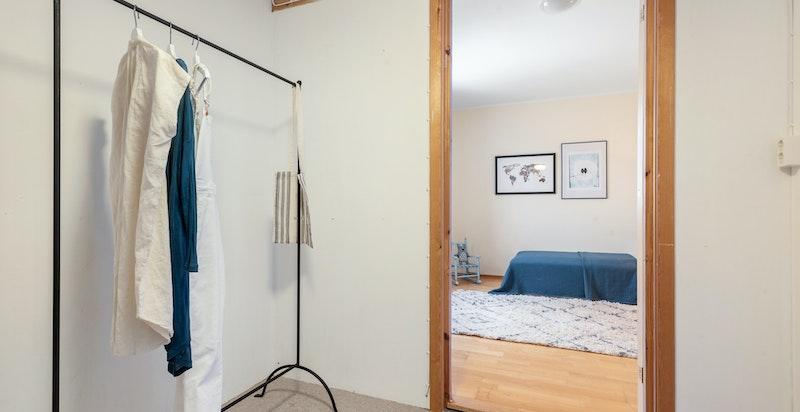 Walk-in garderobe/bodrom i tilknytning til begge soverom