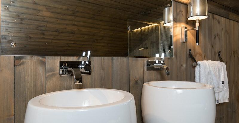 Vasker og toalett fra Alessi