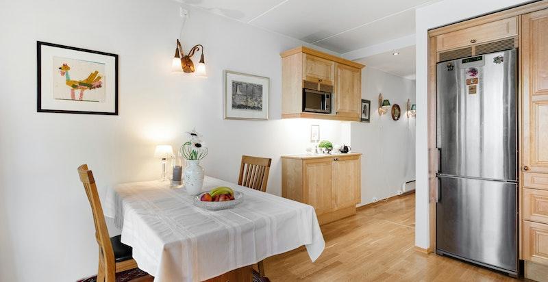 God plass for spisebord på kjøkkenet