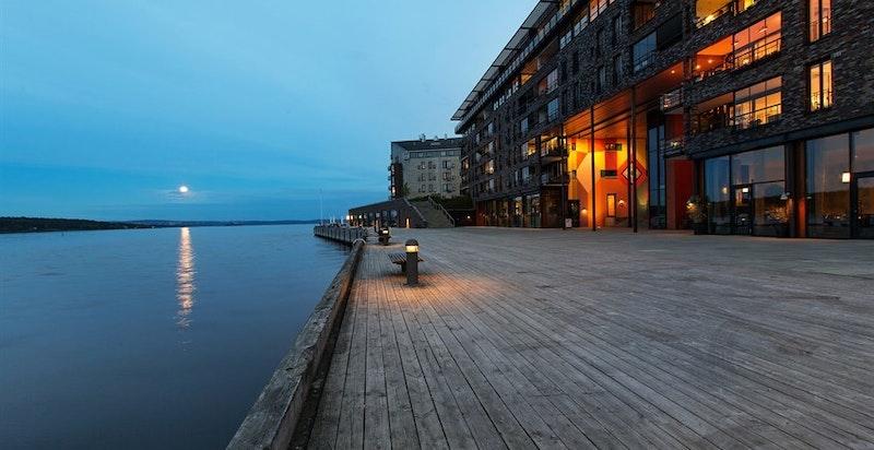 Lysaker Brygge by night
