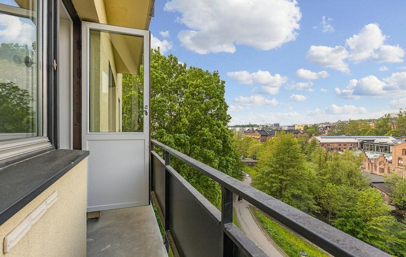 Balkong med utgang fra stuen.