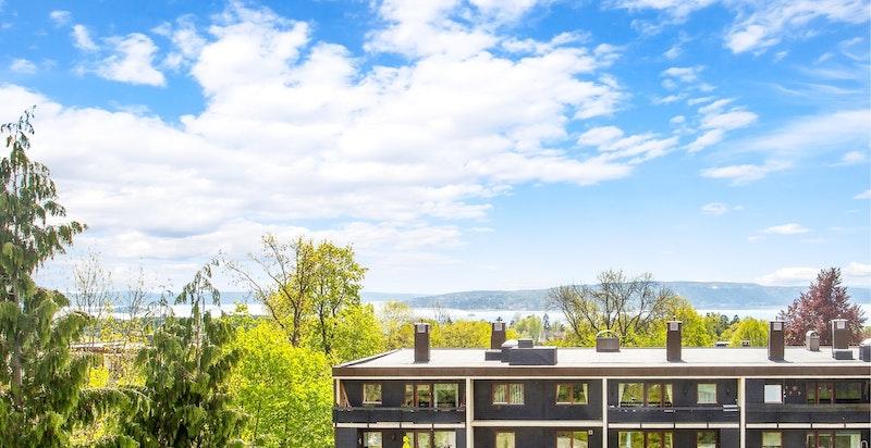 Utsikt fra terrassen mot Oslofjorden og Nesoddlandet