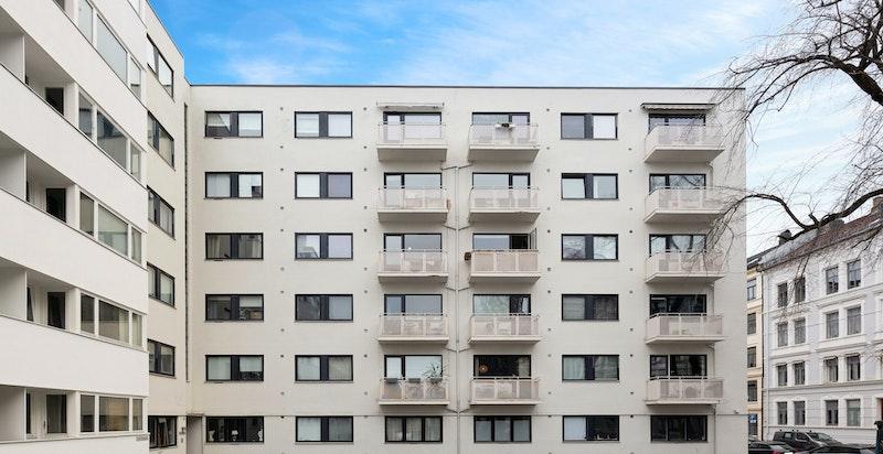 Her bor du meget sentralt, og samtidig tilbaketrukket, i et ettertraktet nabolag.