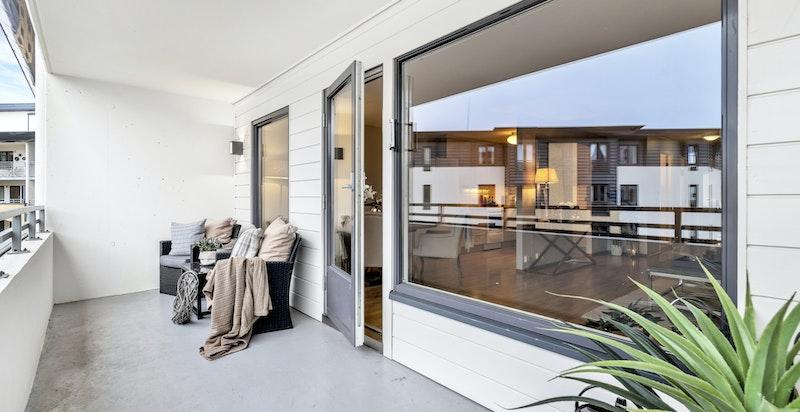 6. etasje med hyggelig overbygget veranda på ca. 11 kvm