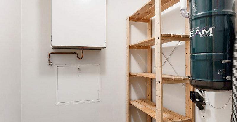 Bod på 3 m2 i leiligheten - i tillegg disponerer leiligheten en kjellerbod på ca. 5 m2