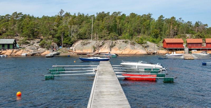 Båtblasser rett nedenfor eiendommen - Her disponeres 2 båtplasser