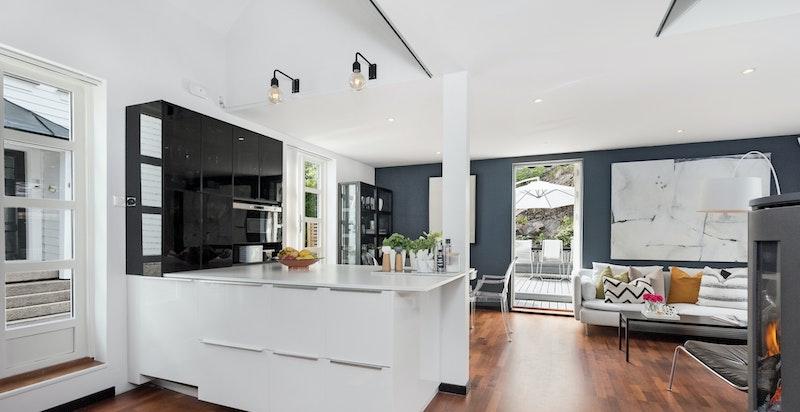 Lyst og hyggelig stue/kjøkken løsning