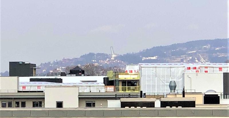 Utsikt fra balkongen til leiligheten.