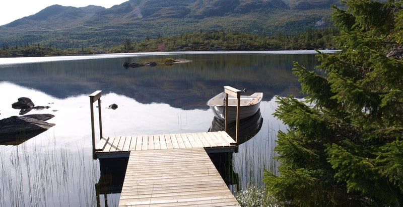 Varme sommerdager er det fint å bade i Kvitåvatn